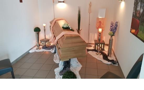 Trauerdekoration Abschiednahme